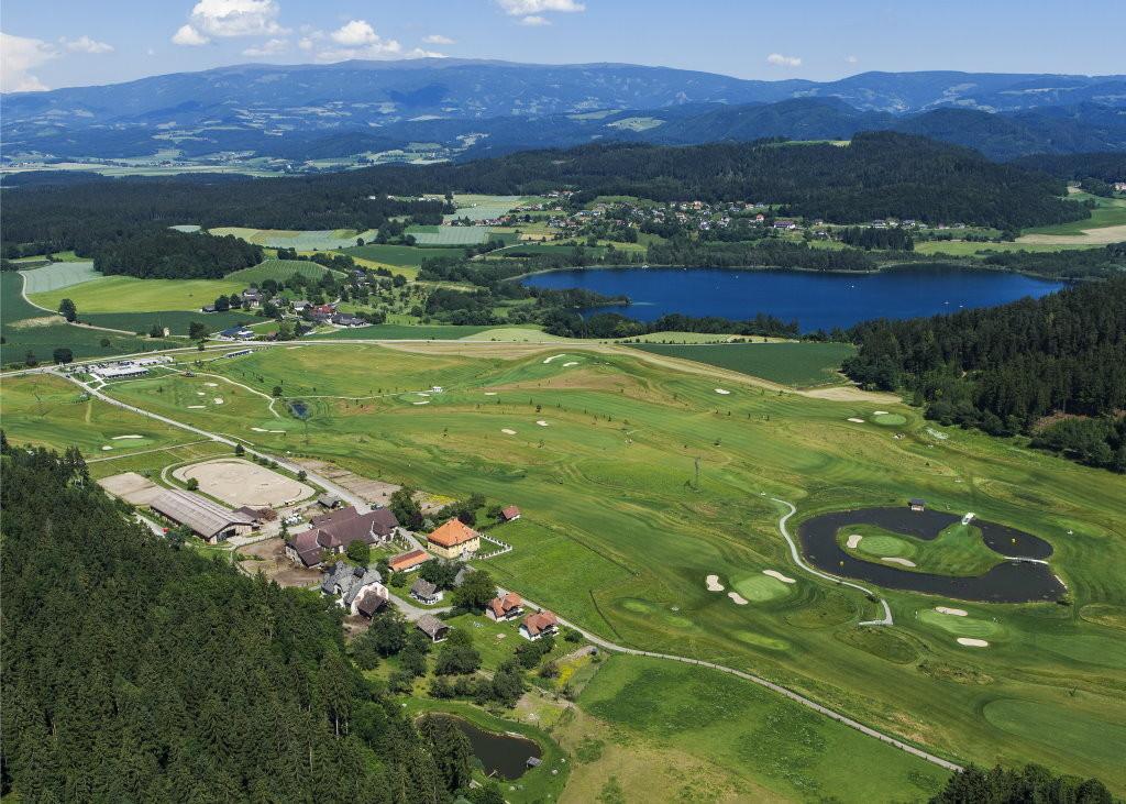 Mentehof-Reiterhof-Golfplatz-Luftaufnahme-2012-1024